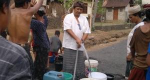 Kemarau Panjang, Desa Seraya Krisis Air Bersih