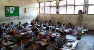 Jaman Sudah Canggih, SDN 3 Sesetan Bali Belajar di Lantai